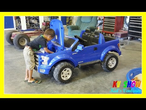 Kruz Fixing The Power Wheel Ride On Ford F-150 (Changing The Battery)