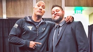 Steve Austin y The Rock en el backstage de RAW
