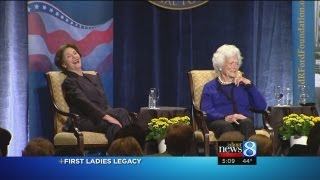 Barbara, Laura Bush talk White House life