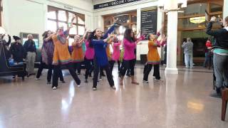 Chaiyya Chaiyya flashmob at Union Station