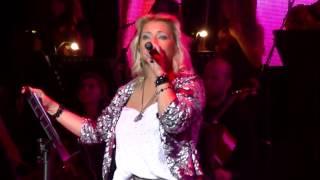 Dalila   Almohada Tema Nuevo en vivo Gran Rex HD
