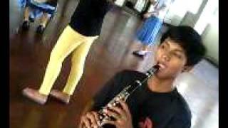 Ang pinakamagaling (magpanggap) na alto sax player.. hehehe!!