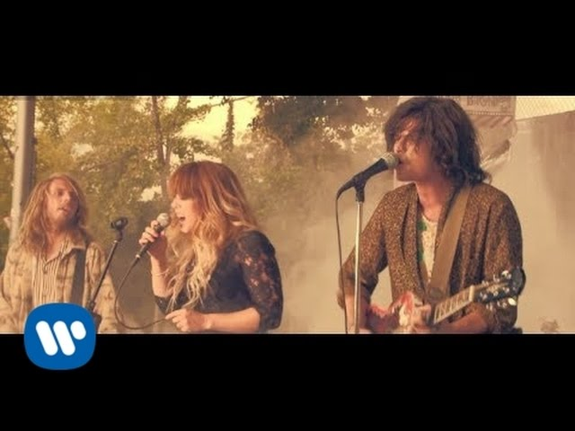 Video oficial de Shark Attack de Grouplove