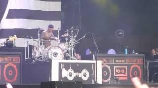Blink 182 - First Date (HD) (Live @ Rock Werchter, 01-07-2017)