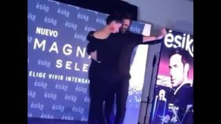 William Levy Dançando Loca De Maite Perroni