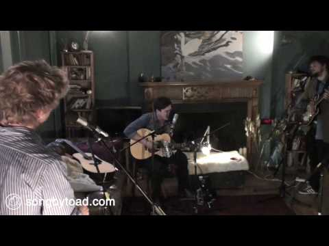 mumford-sons-white-blank-page-toad-session-songbytoad