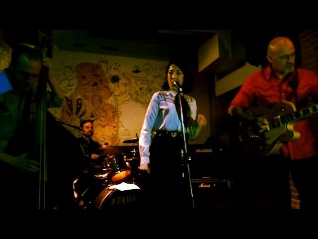 Video en directo de Sui & the Electroshocks