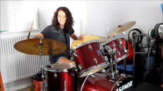 Krista Green beats the shit out of the drums 🤘