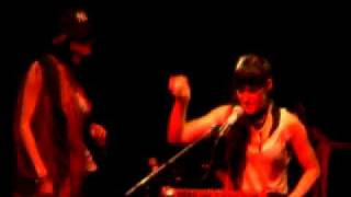 Cocorosie -  Big Momma Thang (Lil Kim Cover)