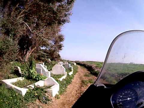 Marrocos – Cemitério à beira da estrada