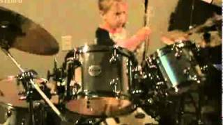 The End - The Beatles, Avery 5 year old Drum cover.avi