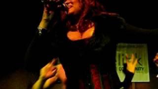 Reina - If I Close My Eyes (Live)