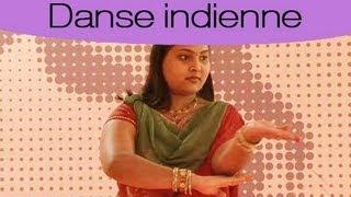 Cours de danse indienne : les pas d'Amitabh Bachchan width=