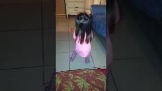 Nina Bailando