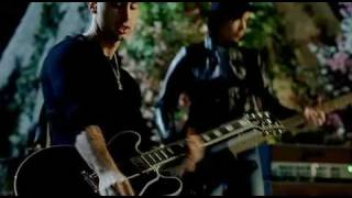 Your love is a lee-Simple-Plan(official video and music)