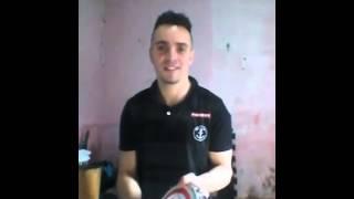 Reinaldo Leeds (Reinaldo Alemão) Dando uma demonstração do seu trabalho como pandeirista