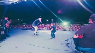 """Silvestre Dangond cantando """"Materealista"""" con su hijo el Bebé Dangond en vivo"""