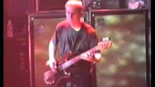 [HD] Foo Fighters - Enough Space (1997 LiVE 2cam)