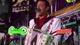 Raul Hernandez.Letras rojas