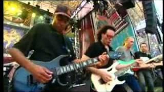 Steve Vai (Incredible Guitar Performance)