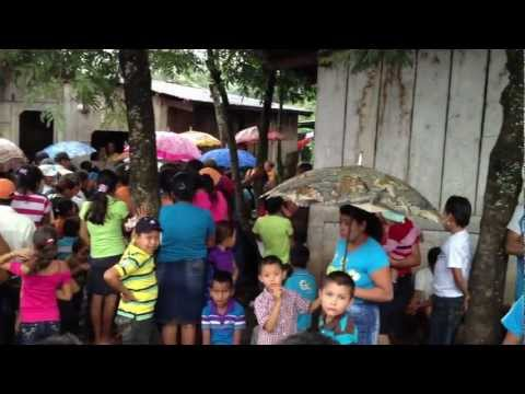 Line for Medical Mission Clinic in Abisinia, Nicaragua