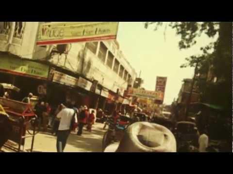 Di tão longe // Rolé nas ruas de Varanasi, Índia.