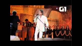 """Vídeo: Roberto Carlos canta """"Yerushalaim Shel Zahav"""" em Jerusalém"""