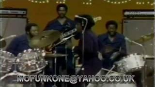 JAMES BROWN & THE J.B.'S - ESCAPISM.LIVE TV PERFORMANCE 1973.