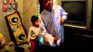 tuburoncito bailando