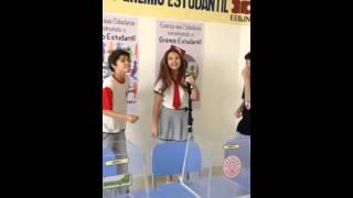 Julia Gomes Cantando beyonce nos bastidores de Gravaçoes!!!