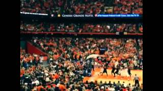 Carrier Dome - Syracuse, NY | 'cuse taking control in the final minutes for the WIN!!! by Mark Hapka