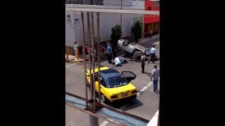 Fortísimo choque en el cruce San Felipe  e Ignacio Ramirez,  guadalajara