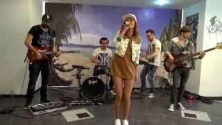 Alexandra Stan - Get Back (ASAP) + Mr. Saxobeat (Live @ PatruLa 21)