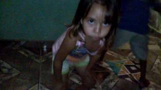 Anitta Bang , menina de 3 anos Dançando