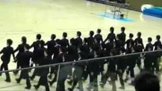 japoneses locos y al pedo marchando