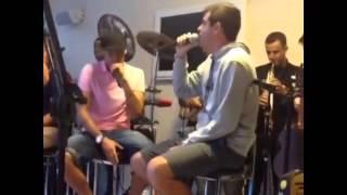 Neymar  cantando  Faz Um Milagre Em Mim  de Regis Danese