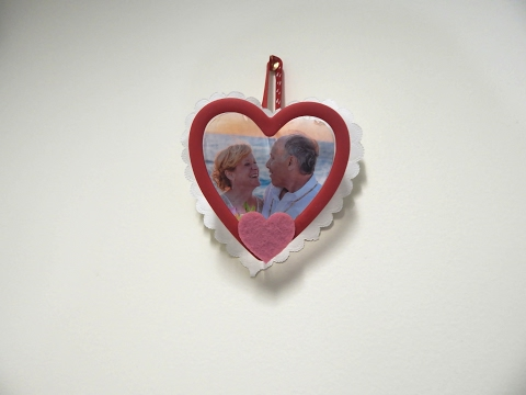 Activities for Dementia Patients: Valentine Picture Frame