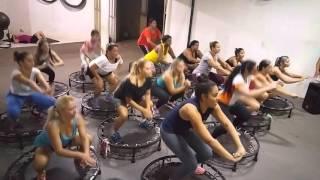 Aula de Jump ( Treme o Bumbum - Dennis Feat. Andinho, Mc Decão e Mc Magrinho )