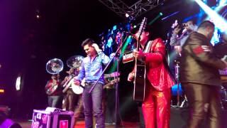 El Toro Encartado - Ariel Camacho & Regulo Caro (En Vivo 2014)
