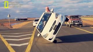 VIDEO. Schimba cauciucurile in timp ce merg pe doua roti!!!