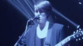 The Xx - Chained (Live @ The Star Singapore 2013)