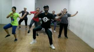 Toma | Reggaeton | Zumba® fitness | Official Choreo by Sandy