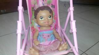 Passeando com a Lari (Baby Alive)