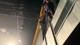 Lawrence Taylor falling down into crowd | While She Sleeps, Batschkapp Frankfurt 2019