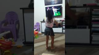 Dançando Sofia. Detalhe do bumbum.