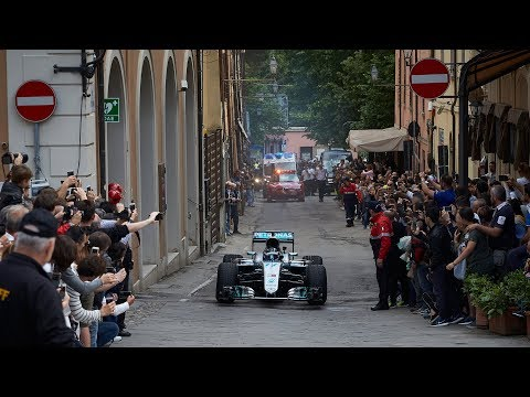 Unbelievable Scenes at the Trofeo Lorenzo Bandini 2018!