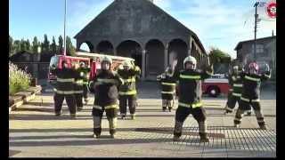 Танца на пожарникарите/ Bomberos Bailando Nene Malo - Comerte Toda