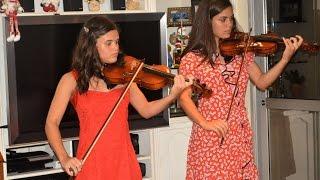 Jingle Bells, Pinheirinho que Alegria & Noite Feliz - Isabel & Raquel