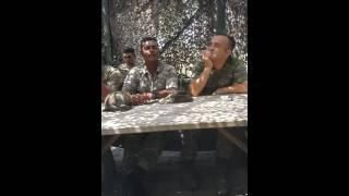Askerden Muhteşem Ses Dinlemeden Geçme- AÇ KAPIYI GARDİYAN