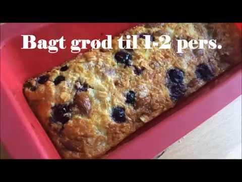 Bagt grød med blåbær, banan og mandler